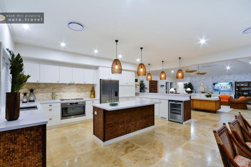 1218872-gourmet-kitchen